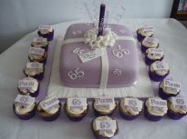 Lilac Parcel with cupcakes