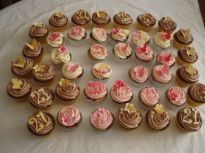 Pink and Chocolate cup cakes